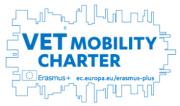 Logo Karty jakości mobilności w obszarze kształcenia i szkoleń zawodowych. Link prowadzi do https://erasmusplus.org.pl/podstrony-akcji/karta-jakosci-mobilnosci-w-obszarze-ksztalcenia-i-szkolen-zawodowych/