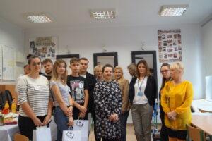 Zdjęcie grupowe z konkursu fryzjerskiego