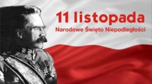 Józef Piłsudski na tle biało-czerwonej flagi